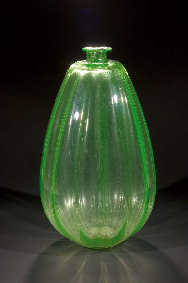 686: Uranglas Vase C. Lebeau, Leerdam um 1924/25 : Lot 686