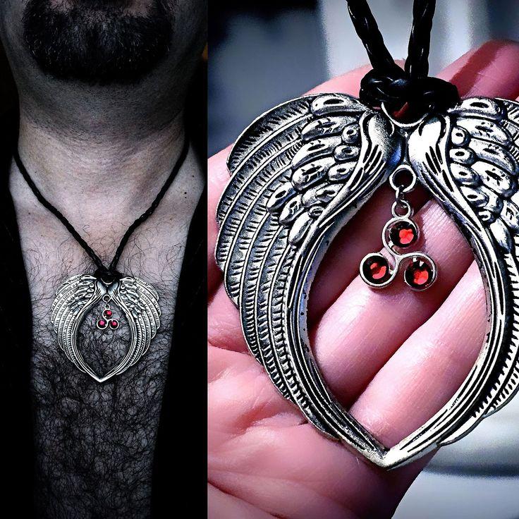 Подвеска мужская крылья ангел демон БДСМ символ доминант трискель