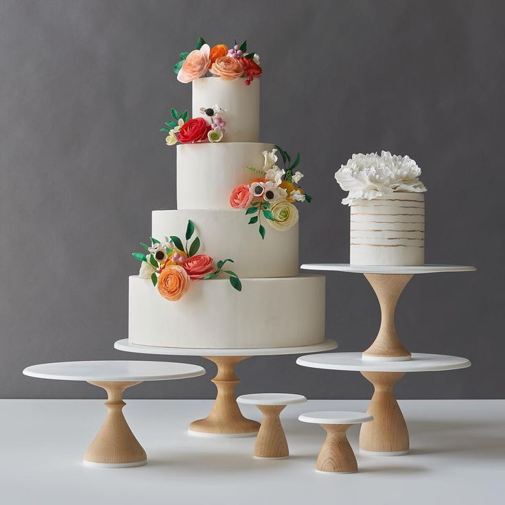 25 best ideas about wedding cakes on pinterest pretty for Beautiful cake stands