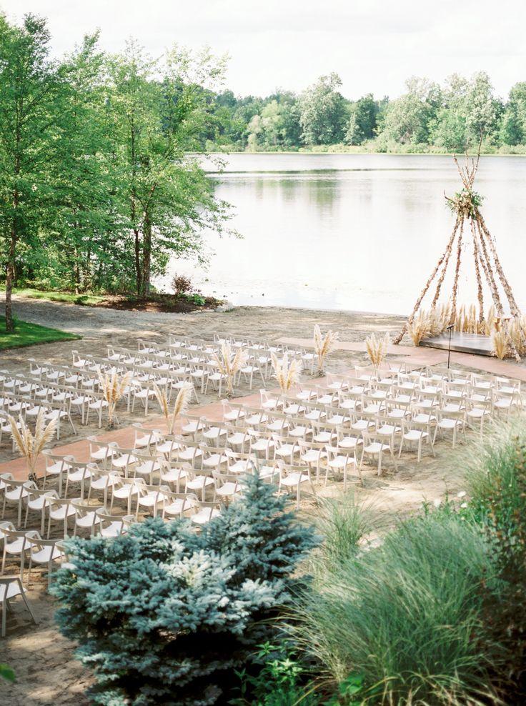 Boho teepee wedding altar idea outdoor wedding ceremony | Photography: Savan Photography