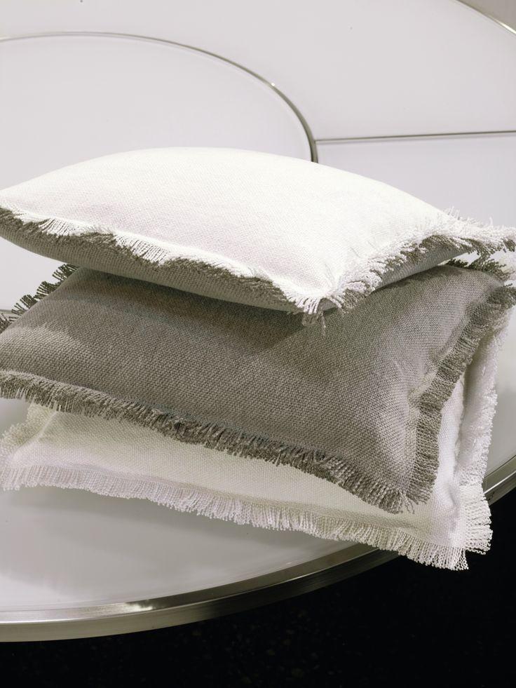 Poduszki – Elitis – «Collection Sensual texture »