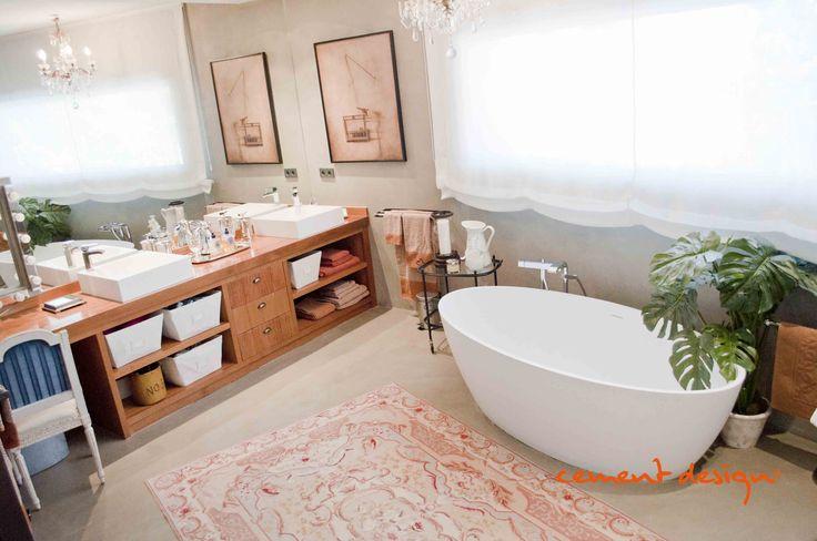 #Sophisticated style in the #bathroom #bathtub #boudoir. Cement Design #coatings #revestimientos. Estilo sofisticado en el cuarto de #baño #bañera