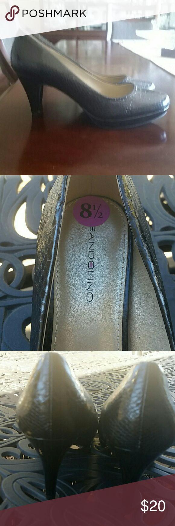 Bandolino comfy heels!!! Gently loved snakeskin look pumps. Medium heel. Bandolino Shoes Heels