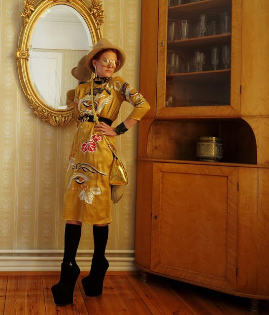 The wardrobe of Ms. B: Cranes