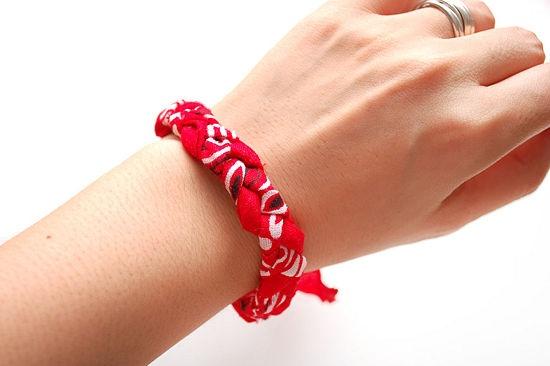How to Make a Bandanna Braided Bracelet: 5 steps - wikiHow