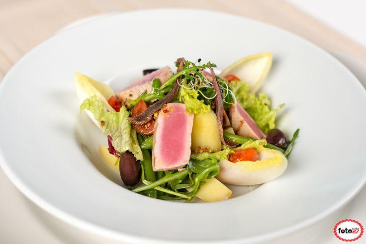 Salata Nicoise cu file de ton si oua de prepelita