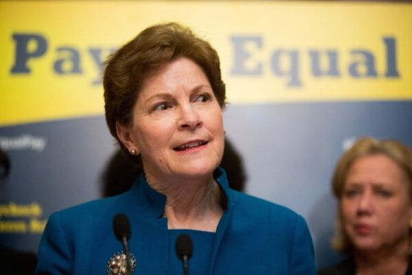 """(Breitbart) - Liberals booed incumbent Democratic Sen. Jeanne Shaheen (D-NH) for interrupting closing remarks by former Sen. Scott Brown at a forum Sunday morning, calling her actions """"rude,"""" video from the event shows. """"She's voting against small business 100 percent of the time. She's got a zero rating from the National Federation of Independent Business,"""" Brown ..."""
