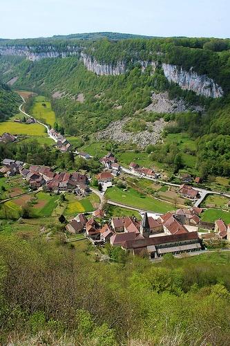 Baume les Messieurs ~ Jura http://www.pinterest.com/adisavoiaditrev/