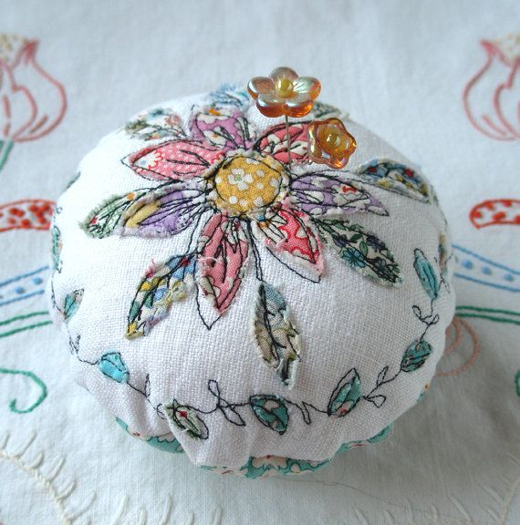 Pincushion, Flower Applique with Free-Motion Stitching on Linen with Emery