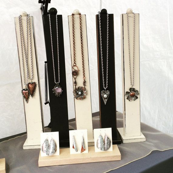 Exhibition Stand Synonym : List of synonyms and antonyms the word jewelry display