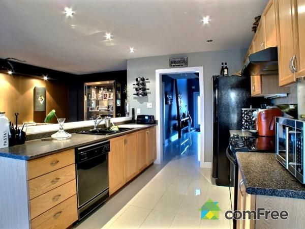 Check out this Kitchen in Maple #ComFree