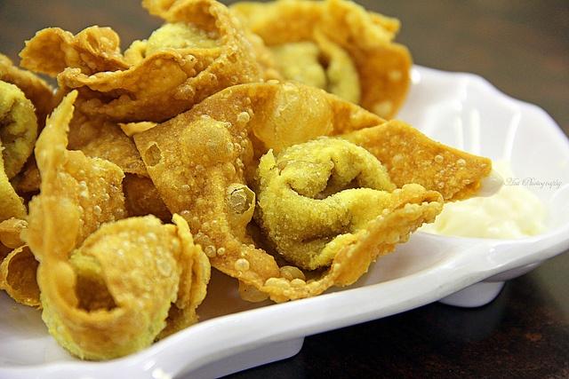 Fried Wontons | NOM NOM NOM | Pinterest