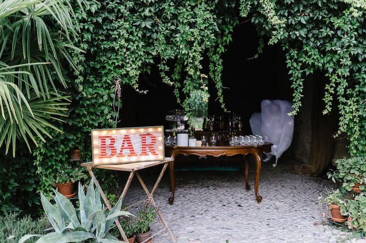 Un matrimonio vintage e bohémien nel bosco