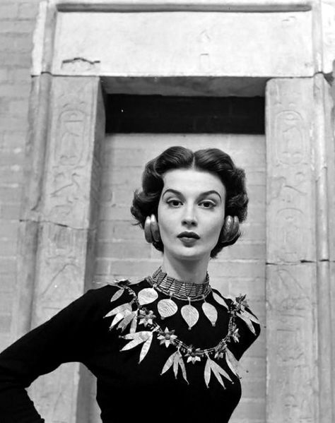 Model Is Wearing Replicas Of A Variety Ancient Sumerian Jewelry Offered For Sale By New Yorks Metropolitan Museum Photo Nina Leen 1952