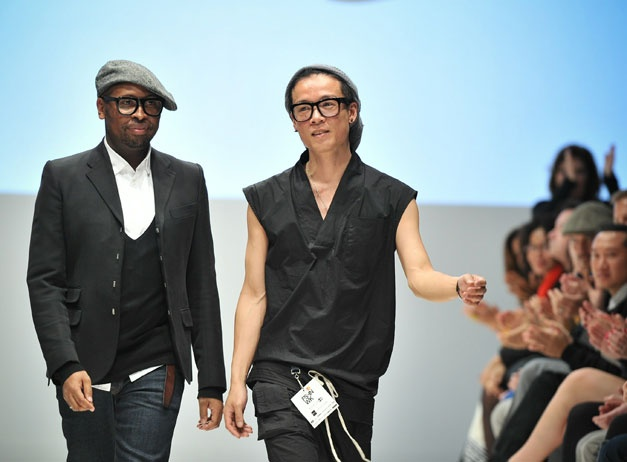 Couldn't make it to the Ezra Constantine show at Toronto Fashion Week? Watch video from the runway here.