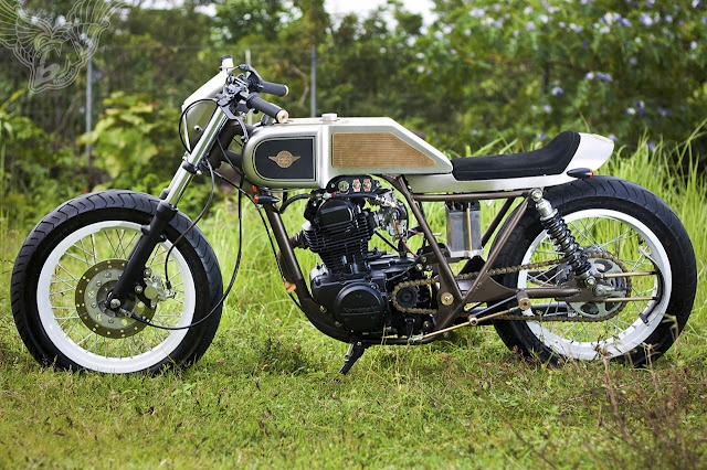 Cafe Racer KZ200 - Seriously, click through for some really awesome detailed design work pictures. This thing is sexy.