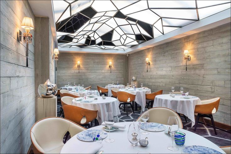 Le Grand Restaurant – Jean-Francois Piège - The bold but elegant modern style of young chef Jean-Francois Piège's new Le Grand Restaurant, which was just awarded two Michelin stars, is the work of Icelandic-born, L.A.–based designer Gulla Jónsdóttir. - Where to Eat in Paris Photos   Architectural Digest