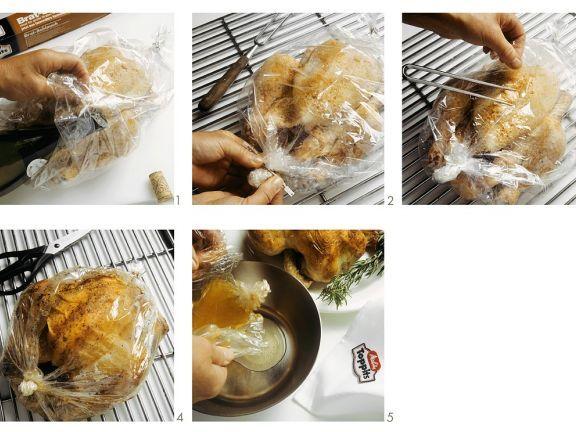 Rosmarinhähnchen im Bratschlauch ist ein Rezept mit frischen Zutaten aus der Kategorie Hähnchen. Probieren Sie dieses und weitere Rezepte von EAT SMARTER!