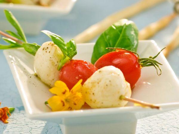 Tomaten-kaasspiesjes