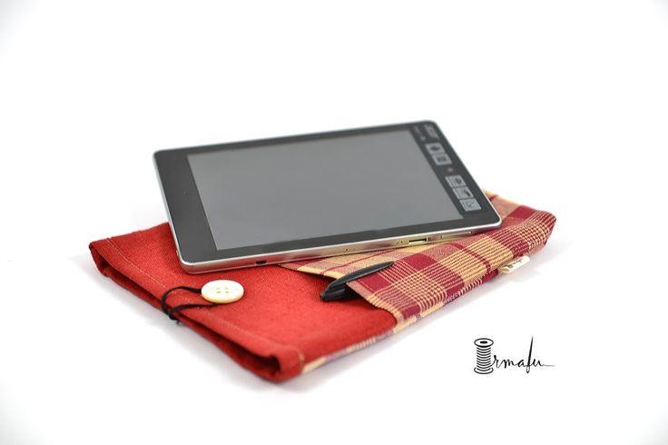 Padded Tablet Case on framestr.com