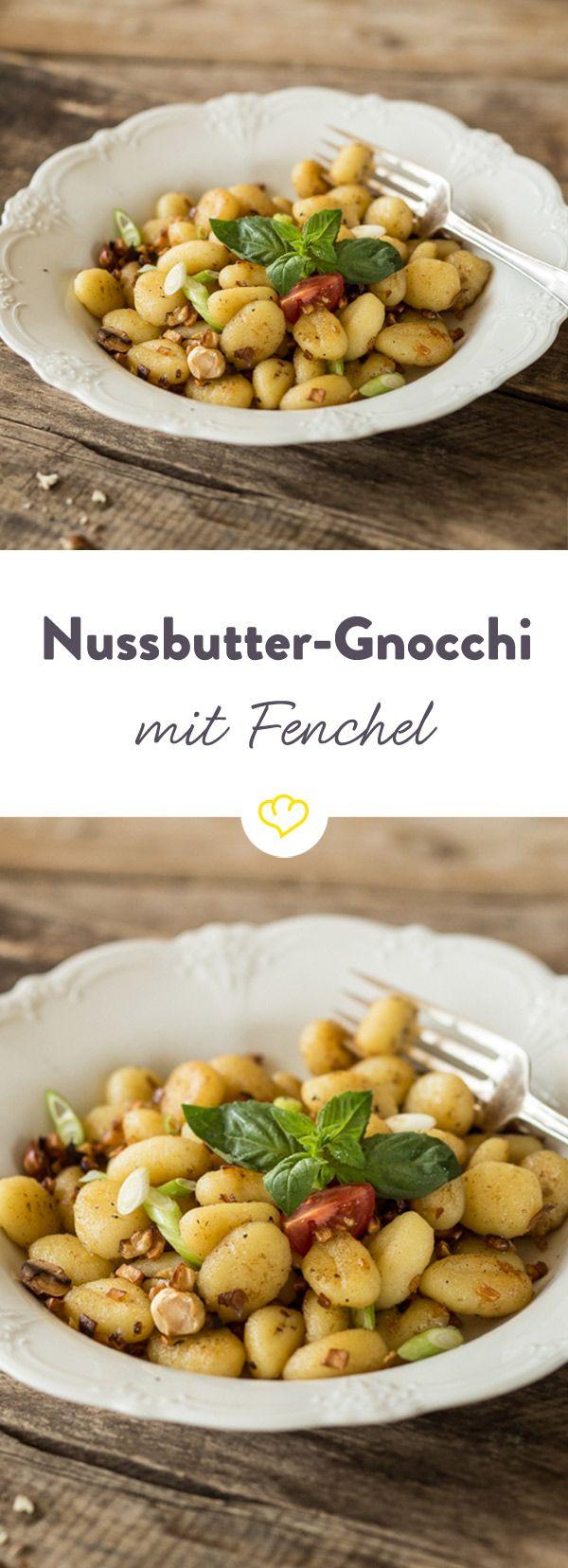 Dieses Gericht passt sich dem Wetter an - hallo Herbst! Gnocchi, Fenchel, Sellerie und Nussbutter vereinen sich zu einem leckeren Mittagessen.