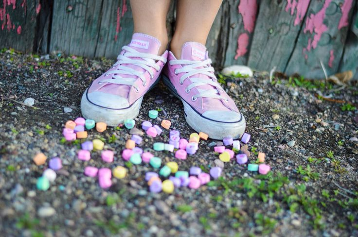 Converse + conversation hearts ❤️ Valentine's Day inspired shoot