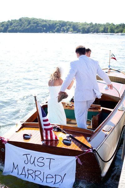 Leave in a boat: Ideas, Justmarried, Dreams Men, Wooden Boats, Lakes Wedding, Weddings, Getaways Cars, Getaways Boats, Just Married