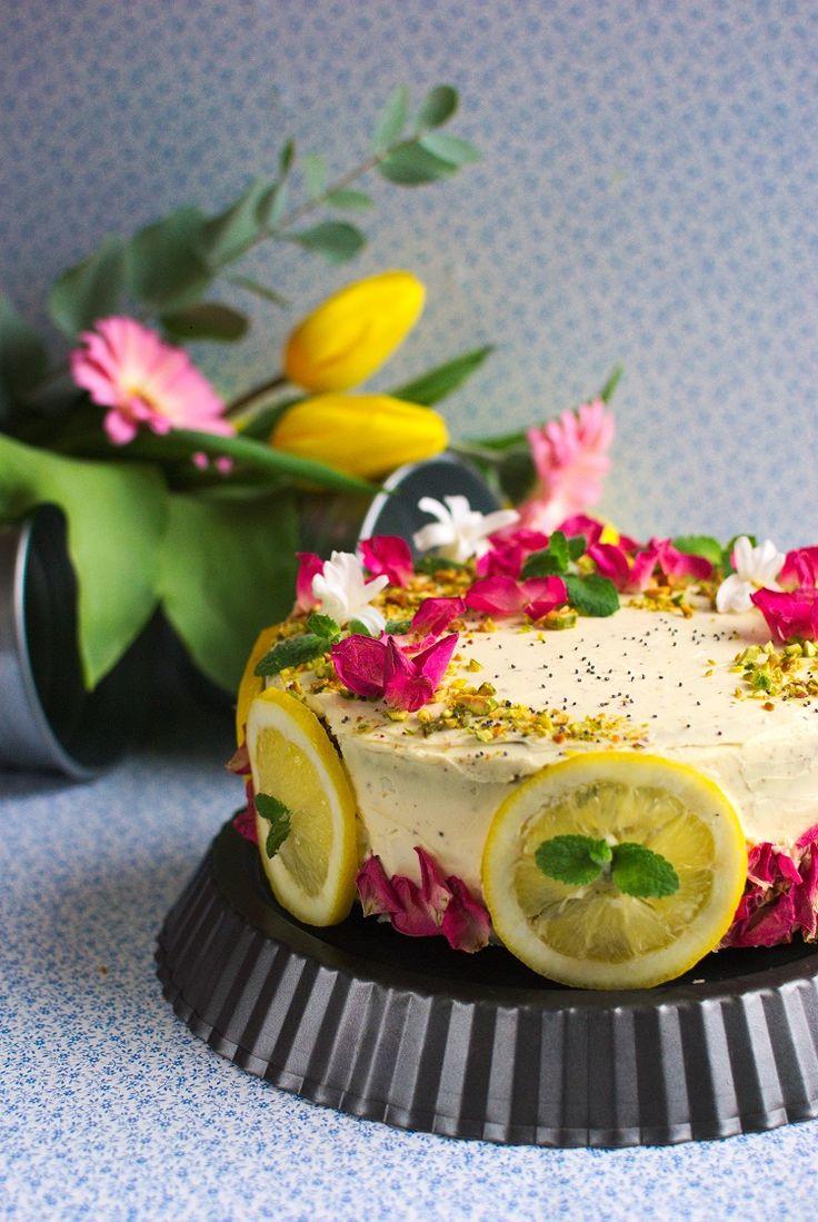 Lemon cake. Cake with lemon curd. Tort cytrynowy z makiem i lemon curd.  #cake #food #lemon