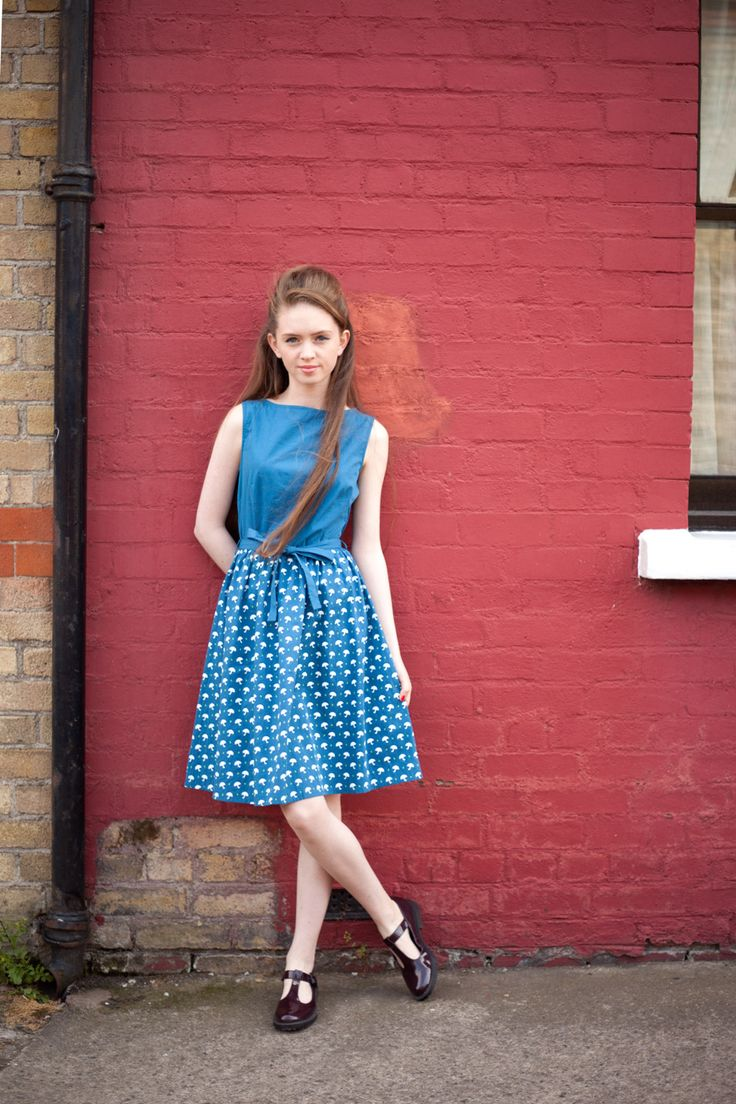 The contrast umbrella print Brigitte fit and flare dress #fitandflare #1950s #circus #vintage #style
