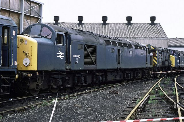 40090 (ex D290) at Doncaster Works on 28th July 1984. Built at the English Electric Vulcan Foundry and delivered on 22nd Aug 1960. Withdrawn on 13th Nov 1983 and cut up at Doncaster Works on 10th Nov 1984.