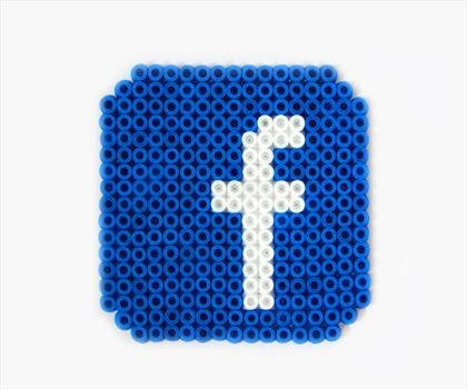 Facebook / hama perler beads. Possibly do this for the pinterest symbol?