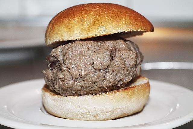 hamburguesa de carne al vapor