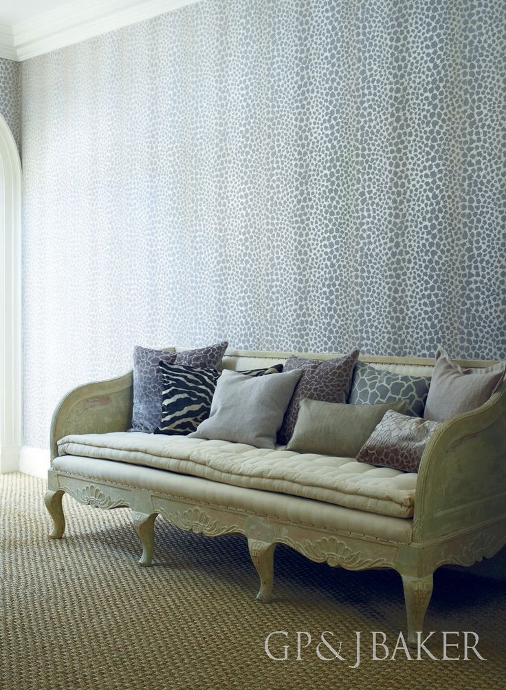 Wallpaper is 'Sundra' from the Langdale Collection by GP & J Baker.