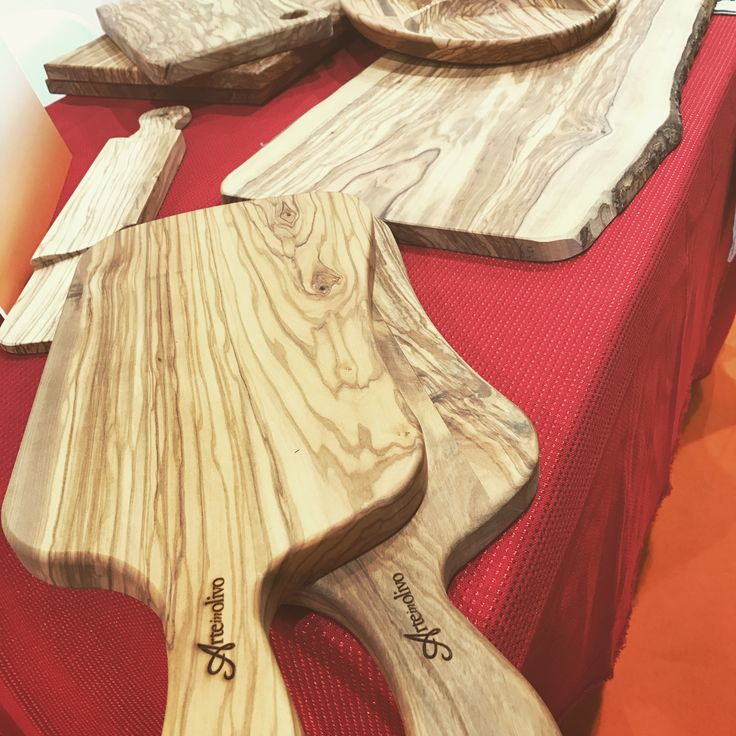 Taglieri in legno di olivo #olivewood #arteinolivo #design #wood #cuttiungboard