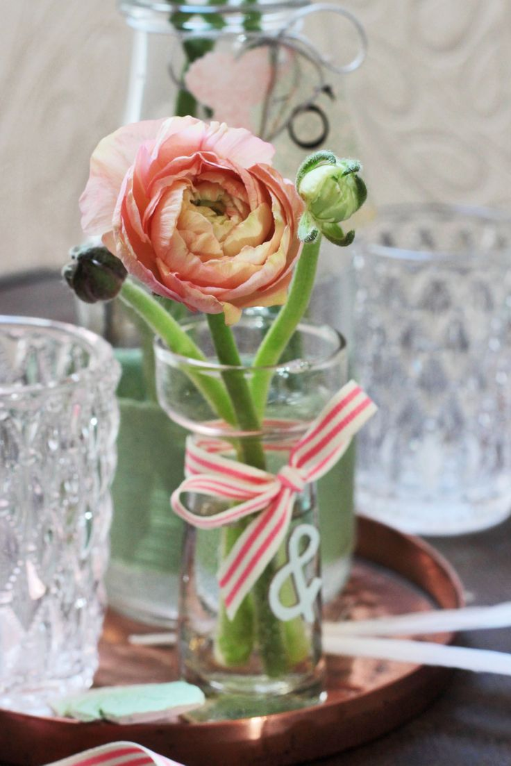 Die besten 25 Ranunkeln Ideen auf Pinterest  Rosen im glas Einfache HochzeitsTafelaufstze