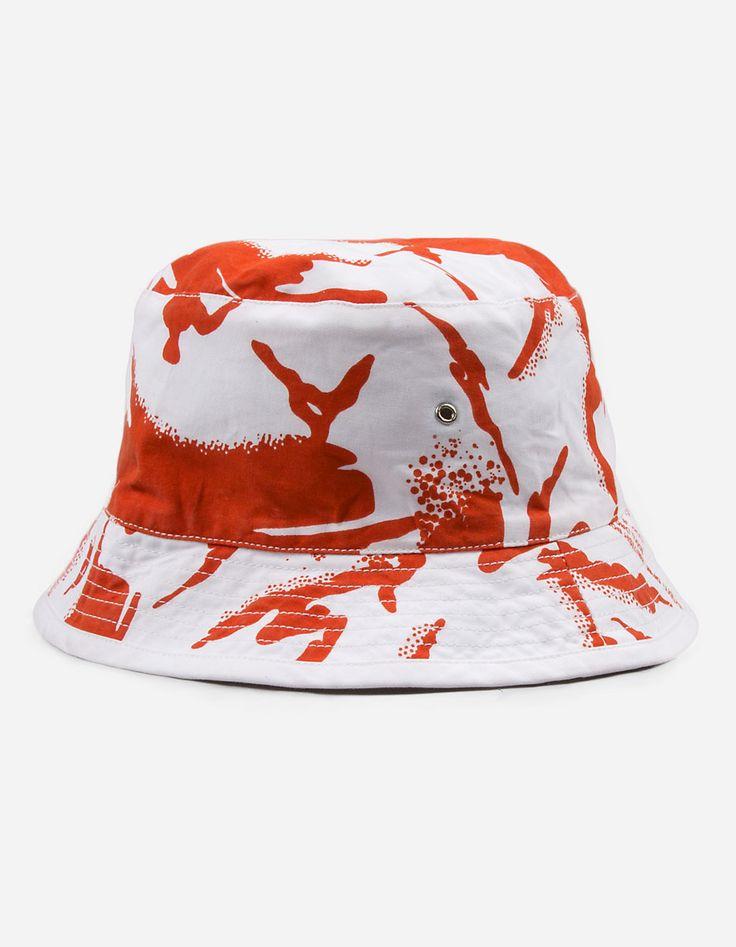 8022 REVERSIBLE CAMO BUCKET HAT