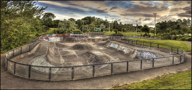 Todays walk... another pano HDR not far from last weeks shot.  Livi skatepark aka the skatey.  15 RAW's --> 5x HDR -2/0/+2 (3)
