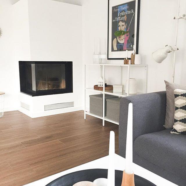 Happy Sonntag alle miteinander. Hier wird gerade überlegt was man heute schönes machen kann  vielleicht ne Fahrradtour...brrrrr.... oder ins Kino, oder käffchen bei @a.brings81 ?? mal sehen was der Tag so bringt. Was macht ihr denn schönes? #sonntagsmodus #familytime . #zuhause #kamin #whitehome #whiteliving #whiteandwood #minimalism #houzz #homedesign #architecture #stadtvilla #wohneninweiss #blackwhiteinterior #instahome #instadecor #mynordicroom #mynordichome #scandinavianinterior #woh...