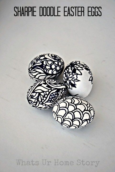Make these fun Sharpie Doodle Easter Eggs with   Sharpies and blown out eggs. www.whatsurhomestory.com