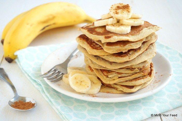 Speculoospannenkoeken  2 rijpe bananen 2 eieren 50 gr havermeel 100 ml amandelmelk 2 tl speculaaskruiden 1 tl bakpoeder olie of boter om te bakken