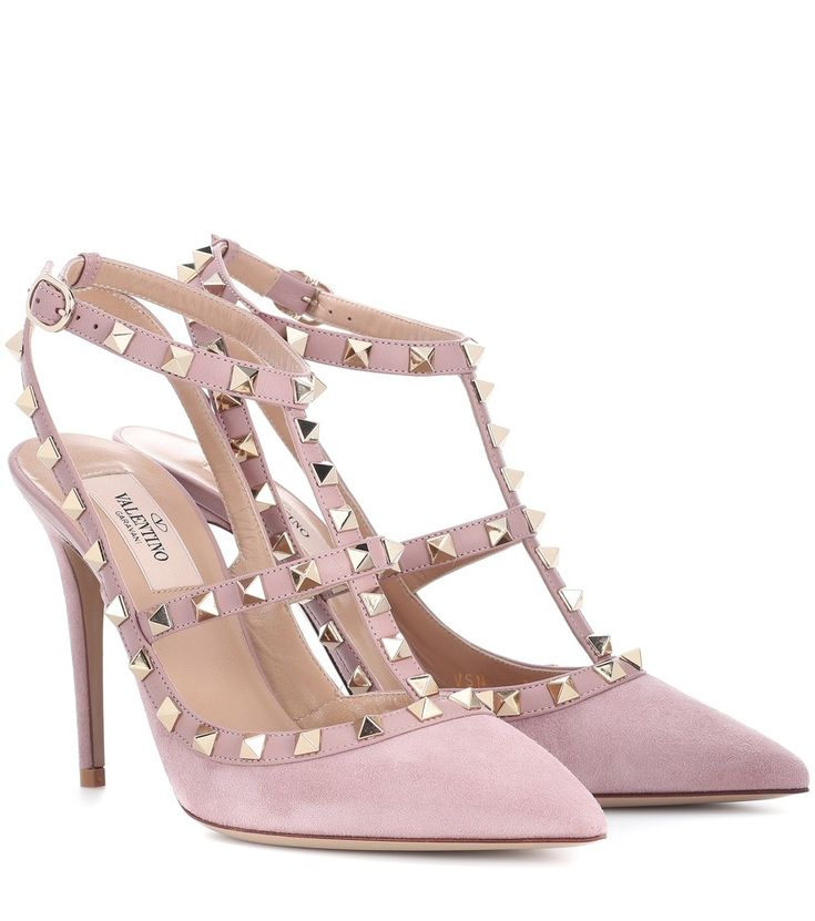 Valentino - Valentino Garavani Rockstud suede pumps - Valentino Garavani's Rockstud pumps are equal parts elegant and edgy. Coated in smooth blush-hued suede and finished with a tonal trim, this pyramid studded pair will work for day and evening alike. seen @ www.mytheresa.com