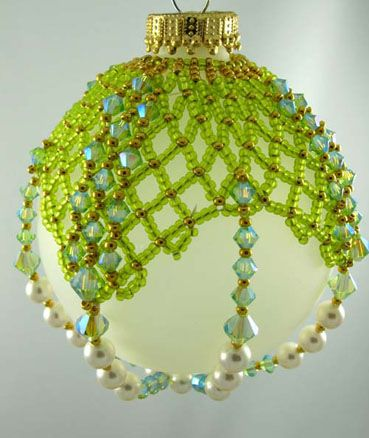 That Bead Lady (Cathy Lampole) - Beads, Beading & Bead Classes in Newmarket Ontario (www.thatbeadlady....) MUST have some of her patterns, love these!