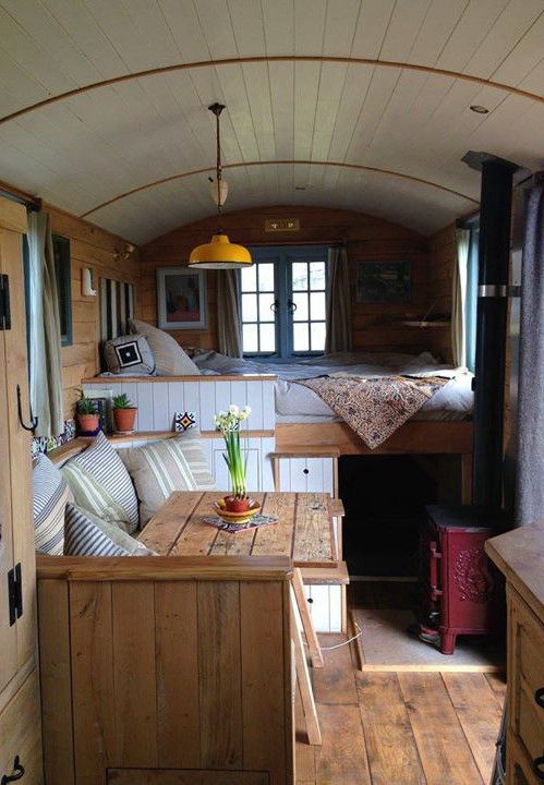 shepherds hut glamping cabin