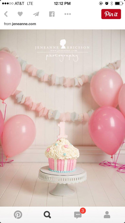 Pink cake smash set up