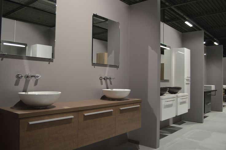 Badkamer inspiratie showroom, tegelshowroom, sanitair, badkamermeubels