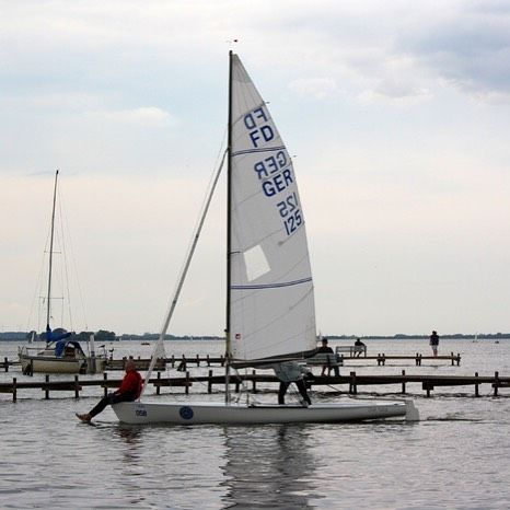 #FDWorlds16 beim #HYC in #Steinhude  #sailing #segeln #flyingdutchman #regatta #fdworlds #fd #flags #ig_sailing #sail #pic #steinhudermeer #pinterest
