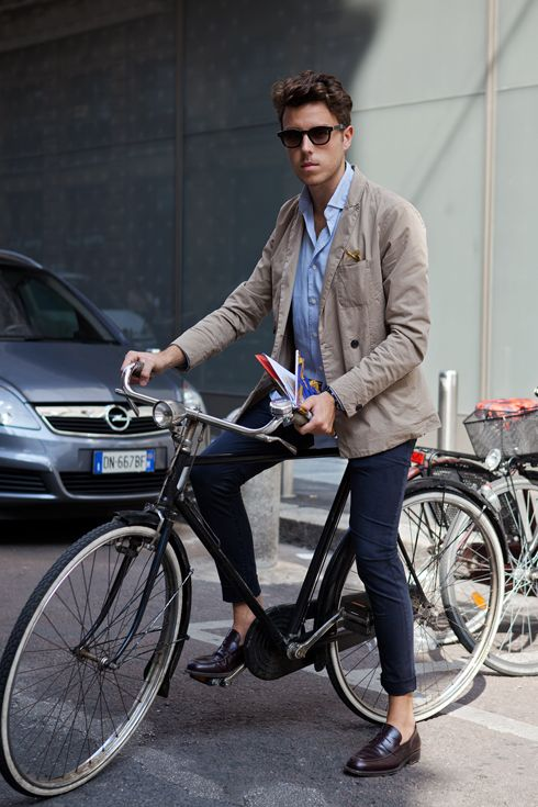 sooo practical dude. light, wrinkle-able jacket. thrown together messiness in a neat way