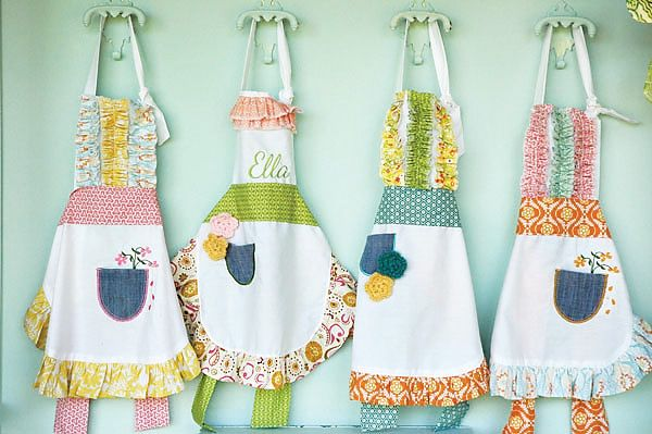 Aprons: Aprons Idea, Adorable Aprons, Birthday Party Idea, 3Rd Birthday Party, Paper Flower, Cute Idea, Cute Aprons, Pocket Full, Baking Party