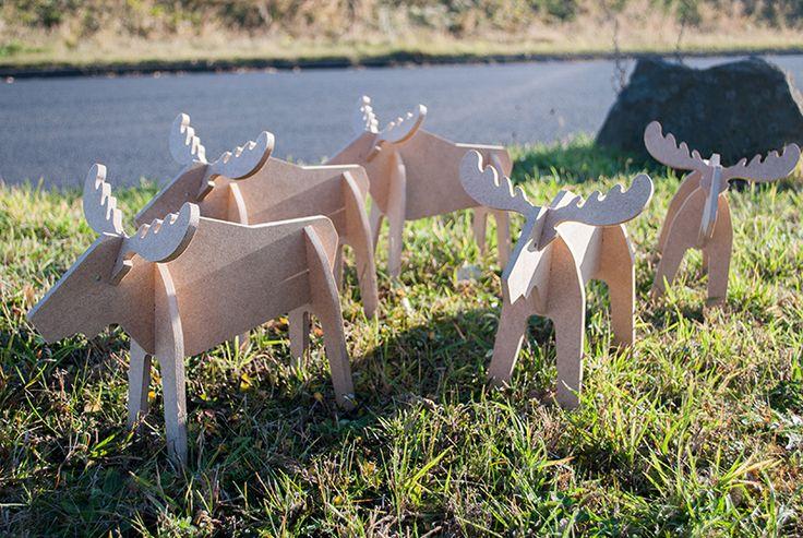 Unsere Rudis suchen ein Zuhause. Nehmt eines (oder mehrere) unserer kuiltigen Rentiere auf und nehmt an unserer großen #ehringseihnachtsaktion teil. Für gerade mal 9,99 € macht sich Euer neues Haustier auf den Weg zu Euch.  Die Teilnahme ist ganz einfach: Bis zum 15.12.2016 unter dem Hashtag #ehringweihnachtsaktion Bilder von unseren #DIY-Weihnachtsartikeln bei Facebook oder Instagram hochladen und mit etwas Glück unser Spielhaus Theo gewinnen.
