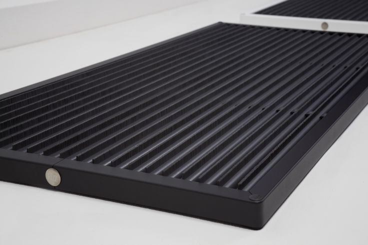 This 'Urban' doormat from RiZZ is finished in anthracite powder coating. Durable, easy to maintain and fits everywhere. Tip: place it outside for maximum effect. Made in The Netherlands in the RiZZ brush factory. Founded in 1941.